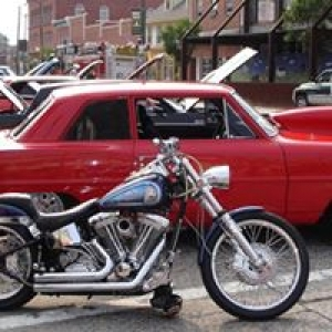 American Muscle Cars & Bikes