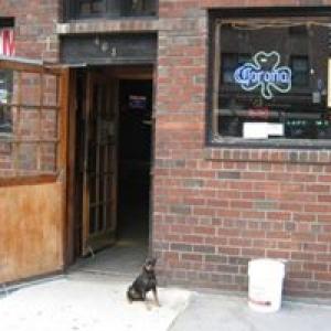 Barrow's Pub