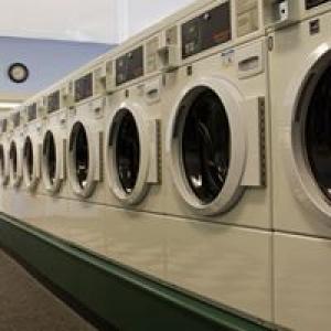 Bea's Wash-N-Dry