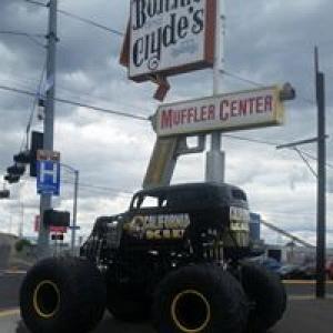 Bonnie and Clyde's Muffler Center