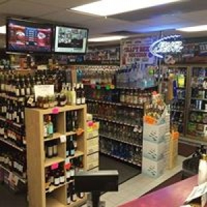 Beachmont Liquors