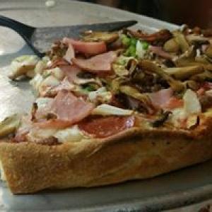 Bear's Den Pizzeria