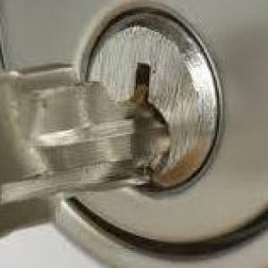 Beckert's Lock & Key